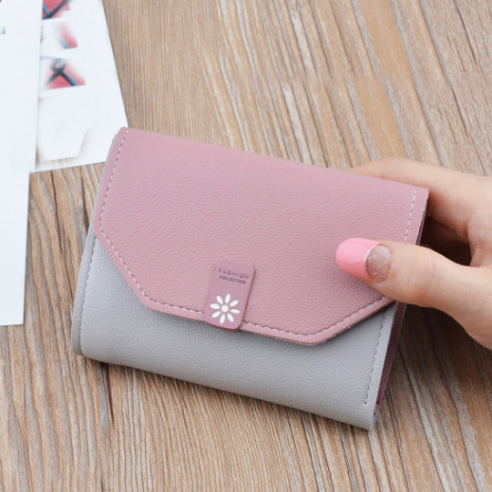 Կանացի գեղեցիկ դրամապանակ
