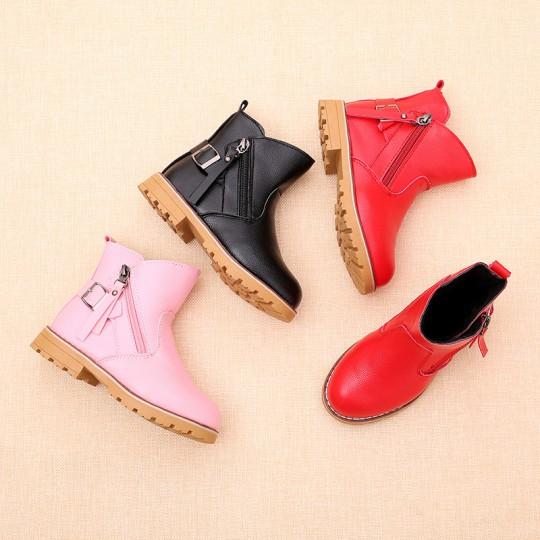 Մանկական կոշիկ